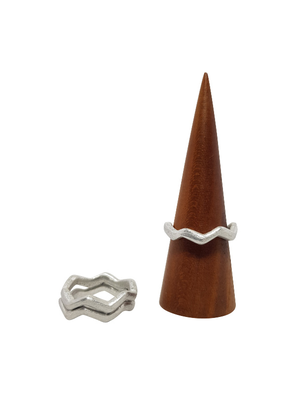 LOVEbomb Wave Ring